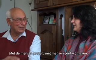 Man en vrouw praten over kanker